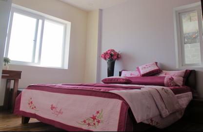 Phòng ngủ 2 với 2 cửa sổ chất liệu UPVC- Window với kính an toàn 6,38mm