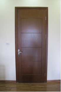 Cửa chính và thông phòng với chất liệu gỗ kèm phụ kiện cao cấp